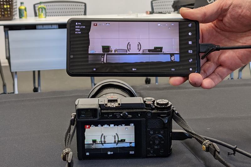 HDMI出力を備えるパナソニックのLUMIX GX7 Mark3を接続しても、問題なくライブビューモニターとして利用できた