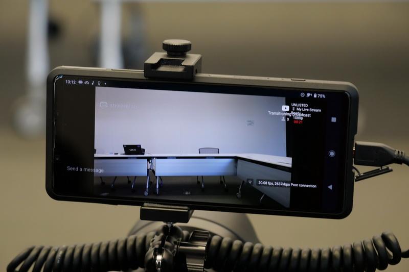 HDMIに接続したデジタル一眼カメラの映像をライブストリーミングできるため、非常に高品質な映像配信が行なえそうだ