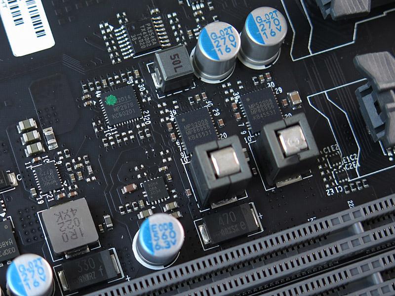 電源回路はほぼMPS製のICで固められている