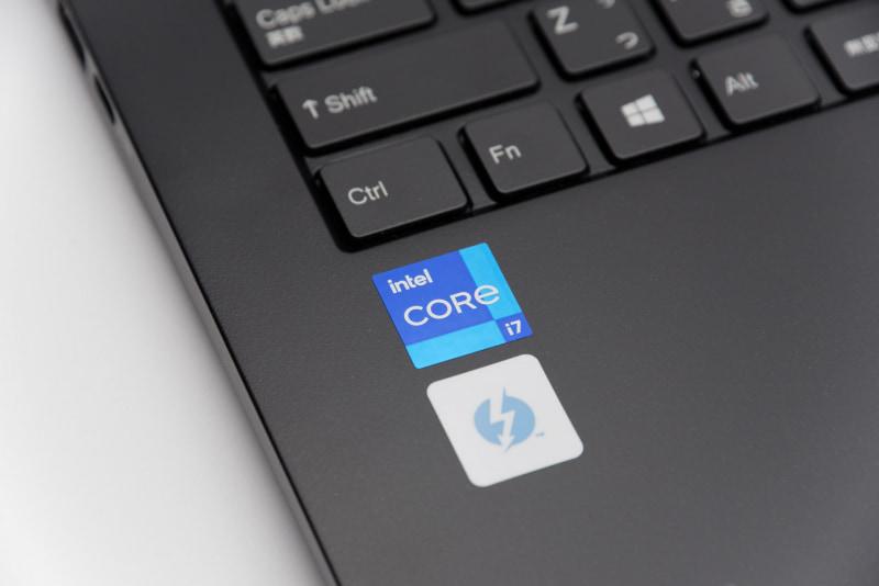 第11世代Intel Core i7-1165G7を搭載