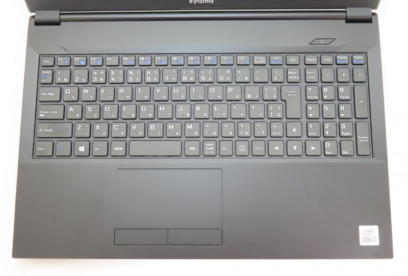 361.5mmという幅をゆったりと使って、それぞれのキーを配置している