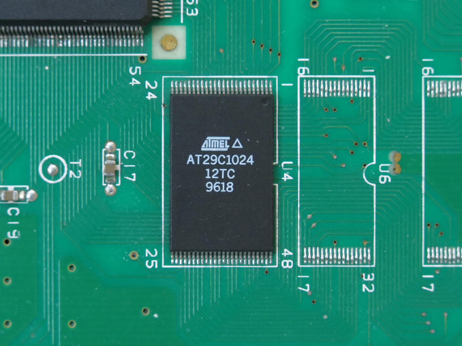 Atmel製フラッシュメモリAT29C1024-70JC