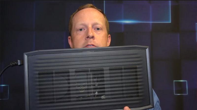 Intel NUC11 Extreme Kit。フルサイズのビデオカードを内蔵することができる