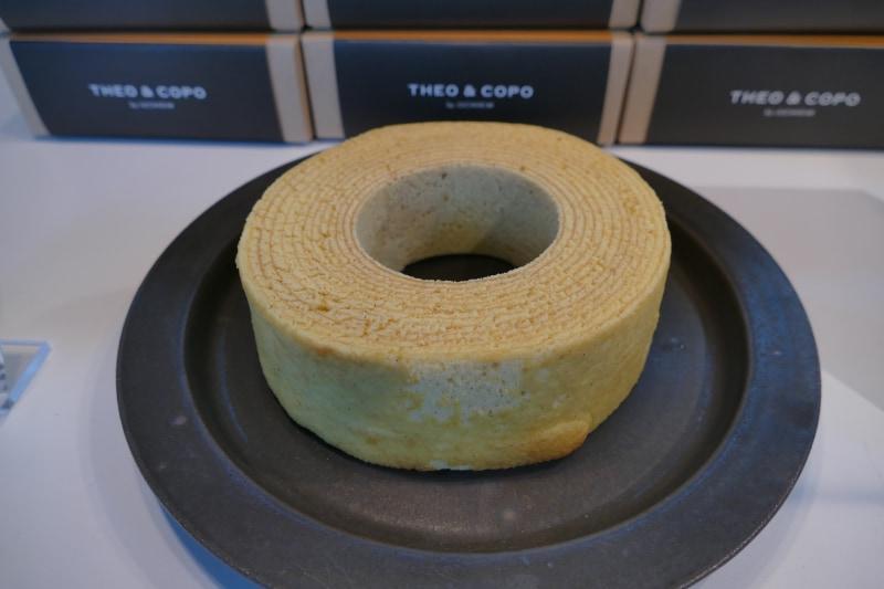 THEOが焼いたユーハイムの看板商品バウムクーヘン