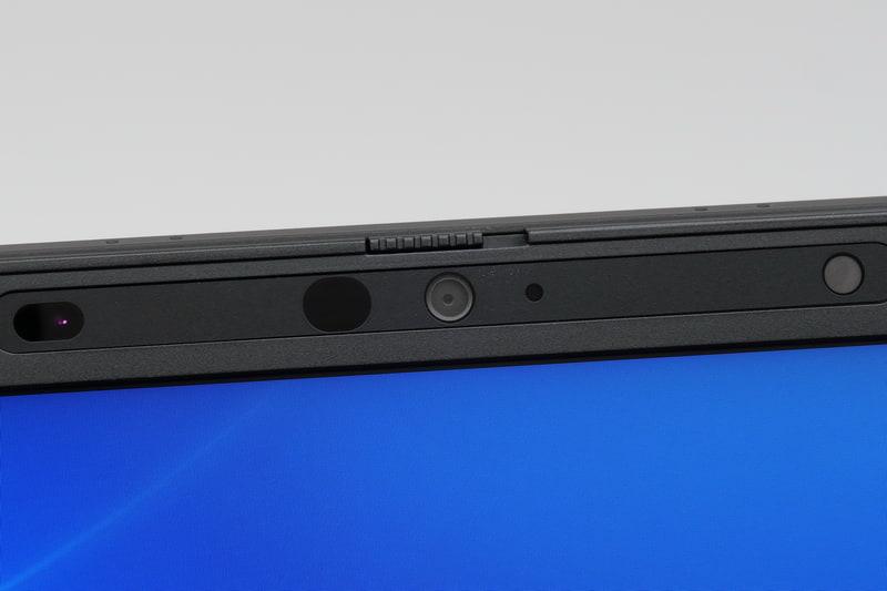 ディスプレイ上部にWindows Hello対応顔認証カメラを搭載