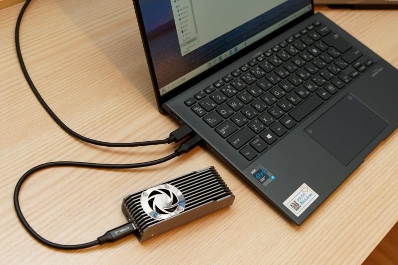 USB 3.1接続の外部ストレージなども使用