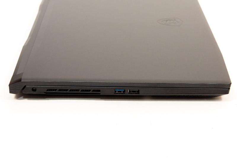 左側面にはUSB 3.0、USB 2.0、電源コネクタを配置