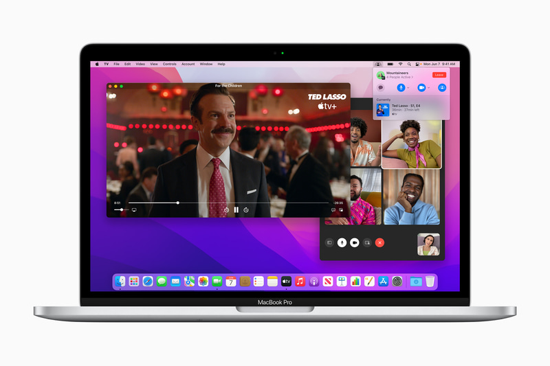 FaceTimeでの通話中に映画や音楽、アプリなどの画面を共有できる「SharePlay」を利用すれば、離れていても同じ時間にさまざまな体験を共有できます