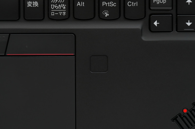 右パームレストにWindows Hello対応指紋認証センサーも搭載する