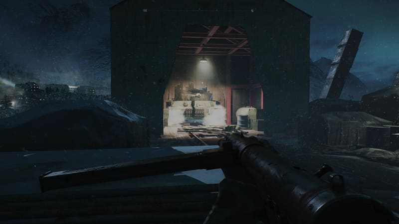 橋を渡ったところにある格納庫から戦車が登場。なす術もなく反撃を受けたところで場面が転換する