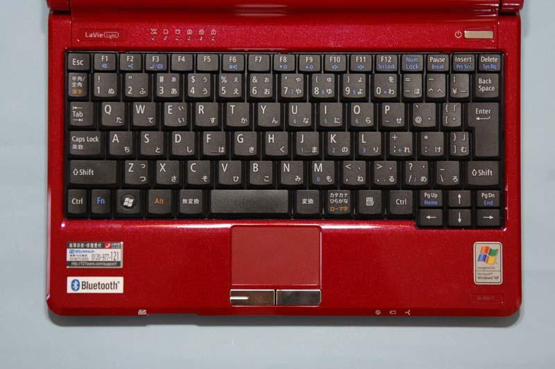 全88キーで、キーピッチは約17mm。キー配列も標準的だ使いやすい