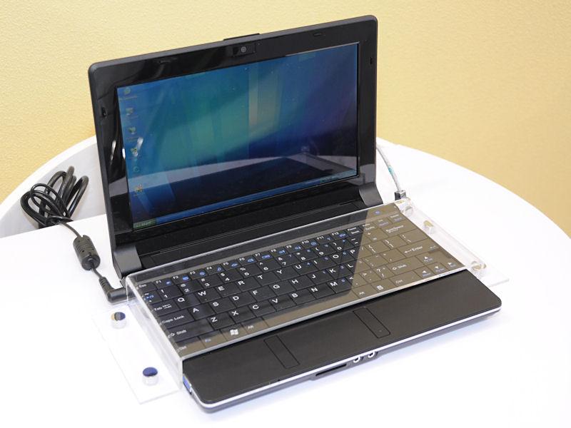 Atom N270+Intel 945GSEを用いた典型的なネットブック「M815L」。液晶は1,024×576ドットの10.1型