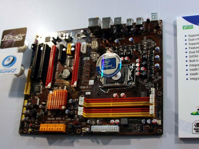 P55H-AはLynnfiledをサポートするP55Hを搭載するマザーボード。PCI Express x16を2つ搭載しており、AMDのCrossFire Xで利用可能になっている