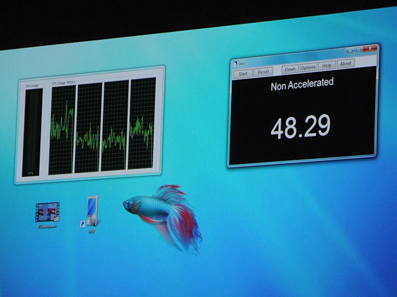 DirectX 11のCompute Shaderによるアクセラレーションを用いた場合と、CPUのみを用いた場合で、動画のトランスコード速度を比較したデモを行なった