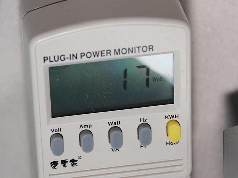 特にHDDアクセスなどはしていない状態ではあるが、ワットチェッカーの表示は17W。低消費電力もアピールしていた
