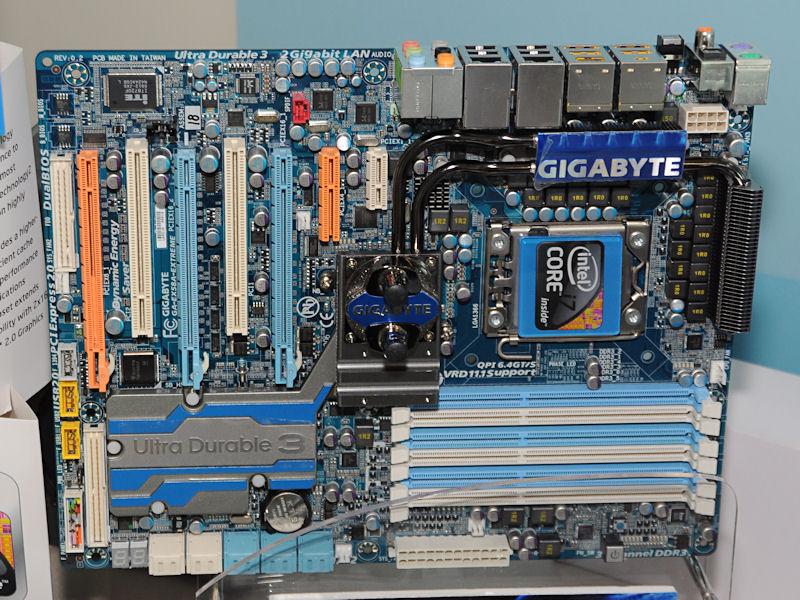 24フェーズの電源回路を備えるIntel X58搭載マザー「GA-EX58A-EXTREME」