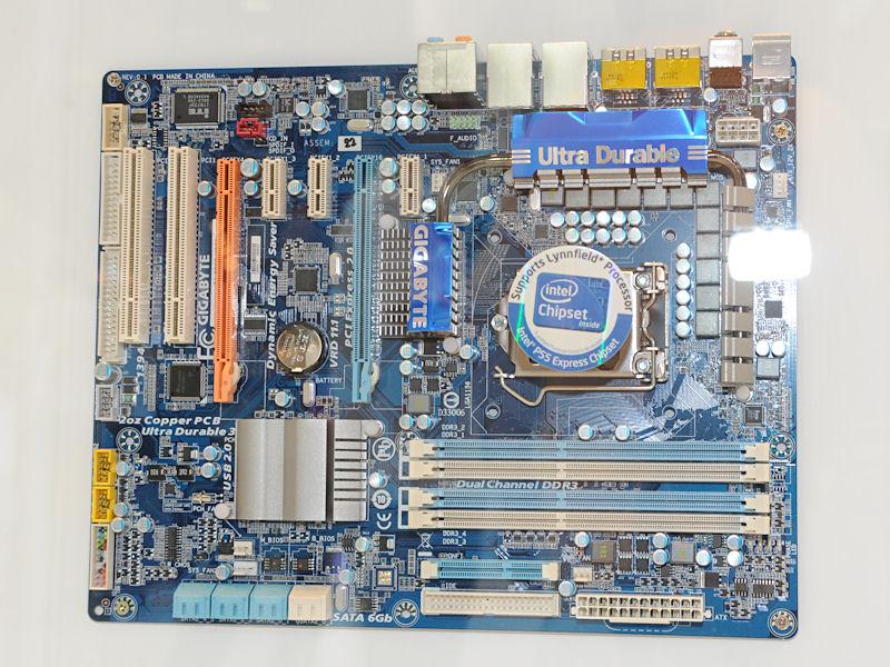 Intel P55搭載マザーの「GA-EP55-UD3R」。展示されたIntel P55マザーのなかでは最廉価モデルになるようだ