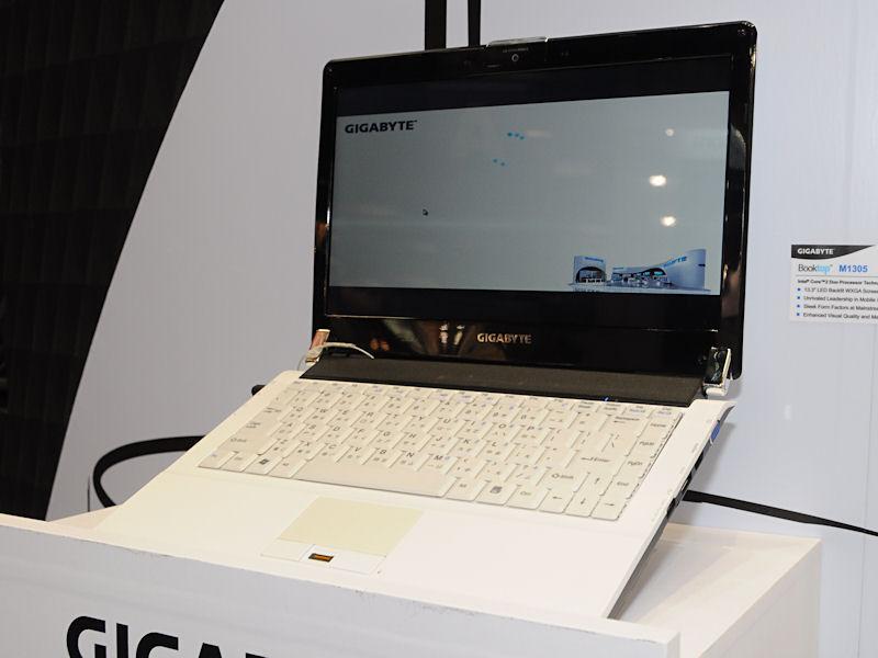 CULV版Core 2 Duo、13.3型WXGA液晶を採用する「Booktop M1305」