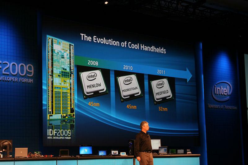 Intelのハンドヘルド向けチップのロードマップ。Moorestownの導入は2010年の半ばとなる