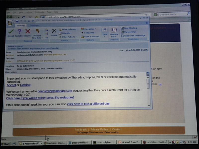 Webサービスで指定して発送された招待状にはランチの日程を調整したり、場所のリクエストを送るリンクが書かれている