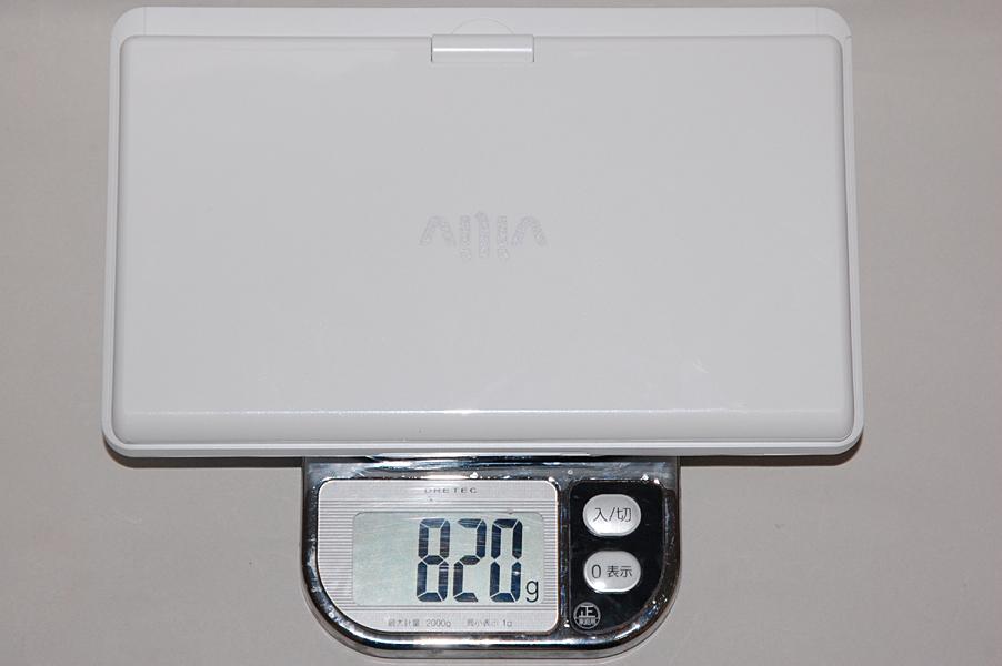 試用機の重量は実測で820gであった