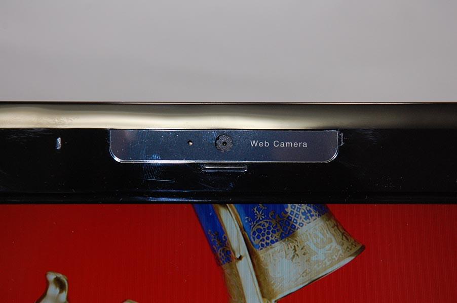 MX/33では液晶の上部に約30万画素Webカメラを搭載しており、ビデオチャットなどに利用できる