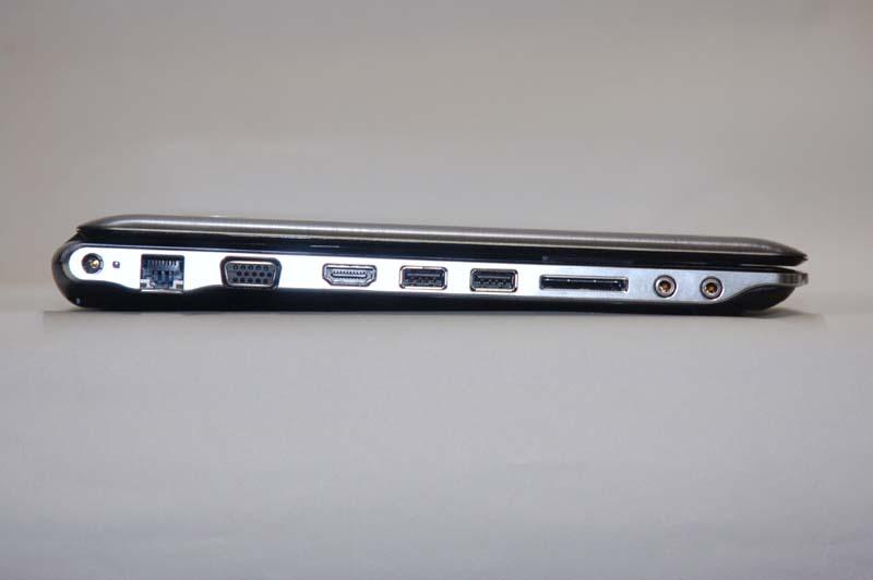 左側面には、LAN、ミニD-Sub15ピン、HDMI出力、USB 2.0×2、5in1メディアスロット、マイク入力、ヘッドフォン出力が用意されている