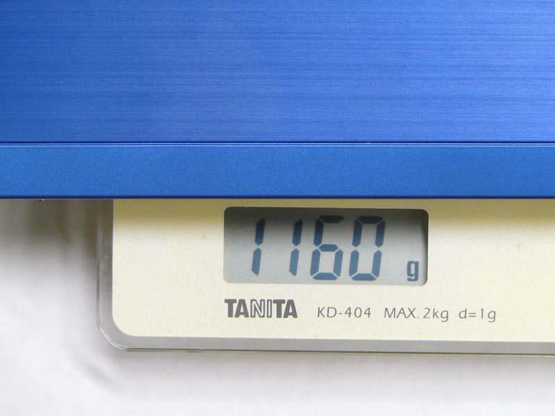 重量は標準の4セルバッテリで1160gと1.2kgを切っている