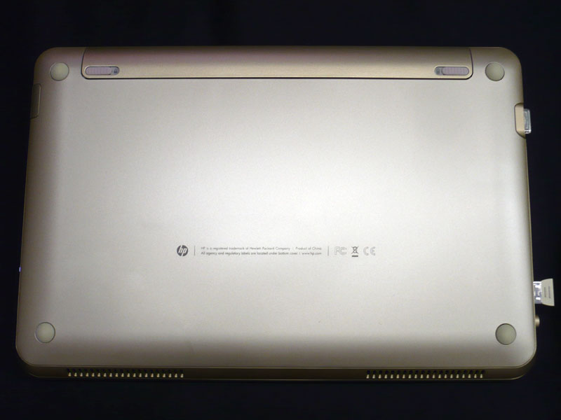 裏面もHP Imprint Technologyで美しく仕上げられている