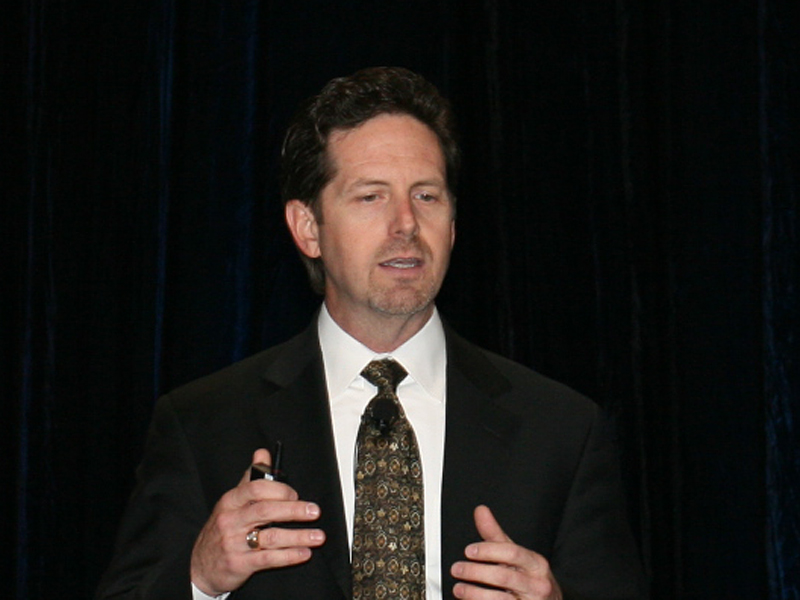 Intel 副社長 兼 組込み/通信事業部長のダグラス・デイビス氏