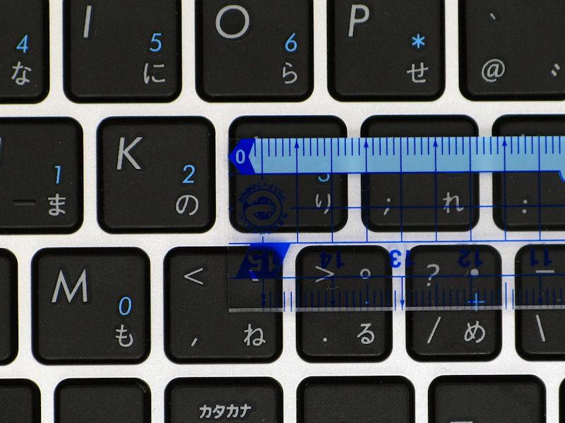 一般的なキーは幅が17mm、キーピッチが19mmほど