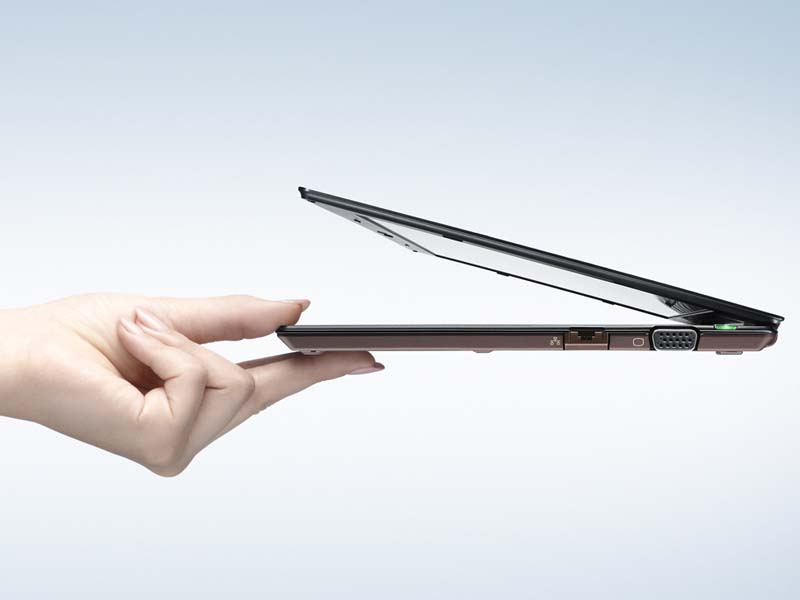2009年度に注目を集めた超薄型モバイル「VAIO X」シリーズ