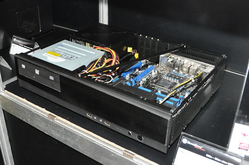 50~60ドルの低価格をうりとする「ML03」。microATXまでに対応するデスクトップ型ケース