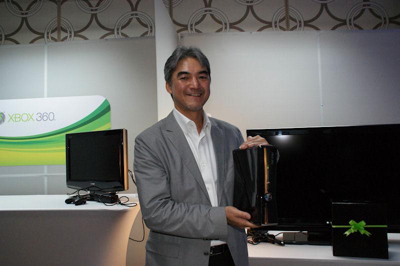 泉水敬氏(執行役常務、ホーム&エンターテイメント事業本部長、マイクロソフト)