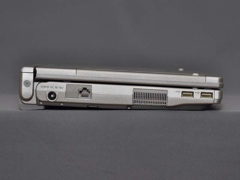 本体左側面。高さは30.6~44.3mmと、こちらもLet'snote S9/N9シリーズより厚くなっている