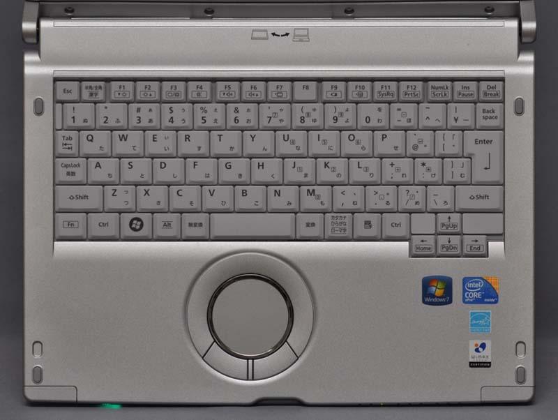 キーボードは、Let'snote S9/N9シリーズと同等のものが搭載されている