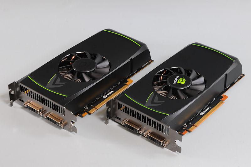 【写真1】GeForce GTX 460のリファレンスボード。左が1GBモデル、右が768MBモデルだが、ファンに貼られたシール以外に見た目に違いはない