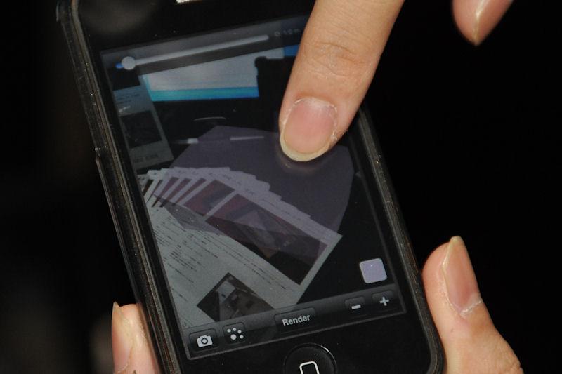 同じくエルザジャパンブースでは、テクノロジー・ジョイントが提供するARソリューションを展示。これはReality Serverを用いたもの。iPhone/iPadなどのモバイル端末からデータを送り、クラウドサーバでレンダリングを行ない、端末側で3Dデータを返す仕組みになっている