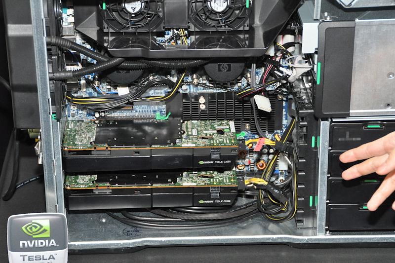 HPのZ800はTeslaを2枚搭載可能なワークステーション。CPUはXeonで、その冷却は水冷で行なっている