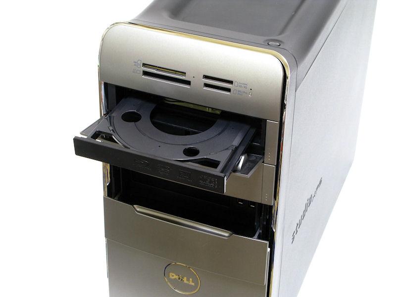 最上段はカードリーダー、その下2段が5インチベイ。評価機にはDVDスーパーマルチドライブ1基が搭載されていたが、Blu-rayやBlu-ray+DVDのダブルドライブなどもBTOできる