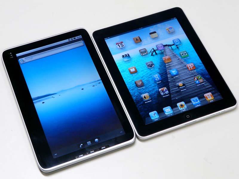 iPadの液晶パネルのフチは均等な幅だが、LuvPadは左側がちょっと広めに余っている