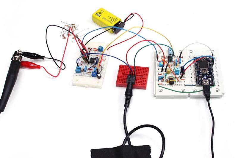次回のプロトタイパーズは、現在もっともホットなマイクロコントローラ「mbed」をベースにディレイ系のエフェクタを作り、今回のFuzzと連結する予定です
