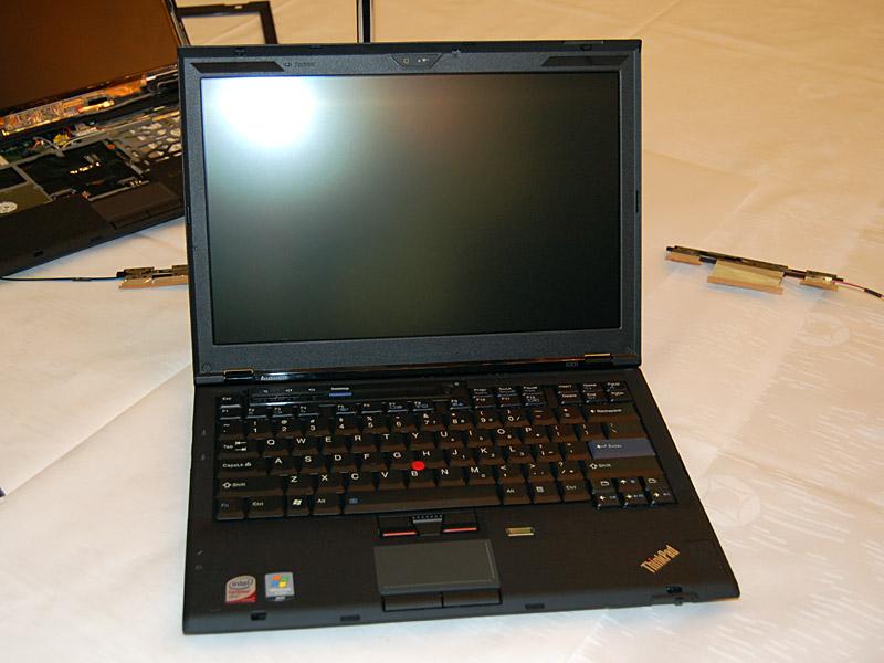 2008年に発売されたThinkPad X300。発売時の価格は346,500円から