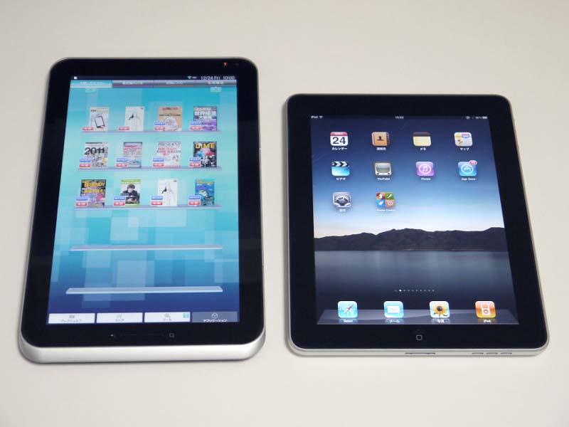 実サイズはiPad(右)に比べると縦長