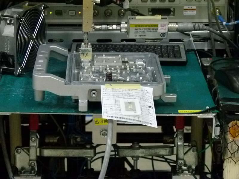 生産ラインではRFIDを活用して個別生産に対応。