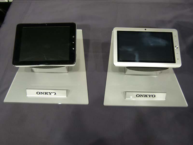 オンキヨーが発売を明らかにした7型のAndroid端末の試作品