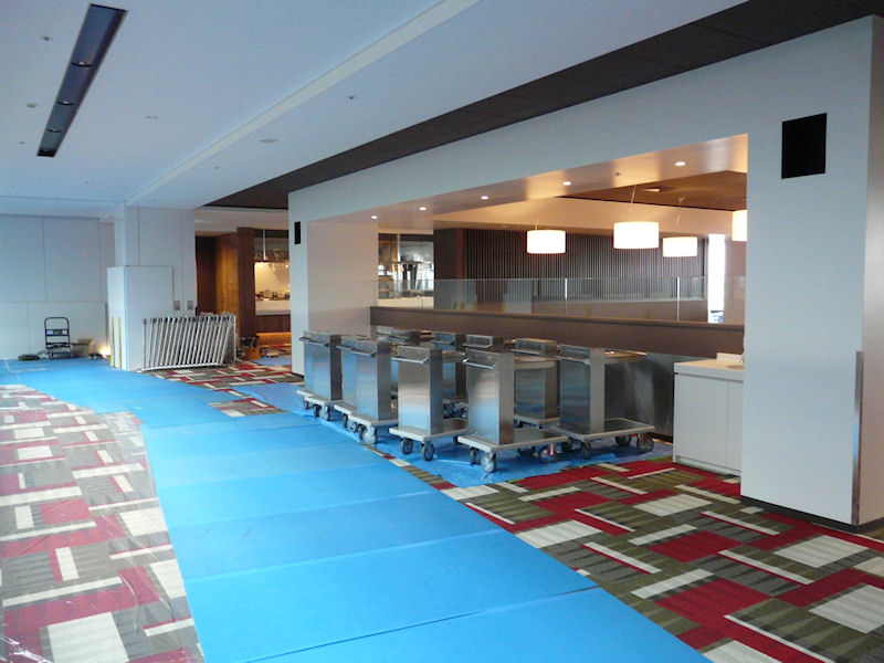 8階のカフェテリアの様子。午前8時から午後9時まで利用できる