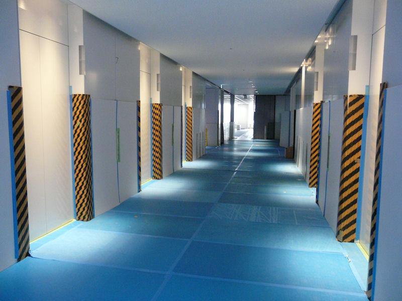 エレベータは南北にそれぞれ5基ずつを設置