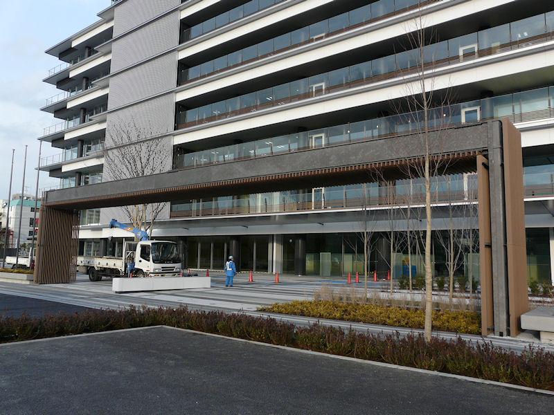 ビル入口の様子。都営新宿線住吉駅から徒歩10分程度