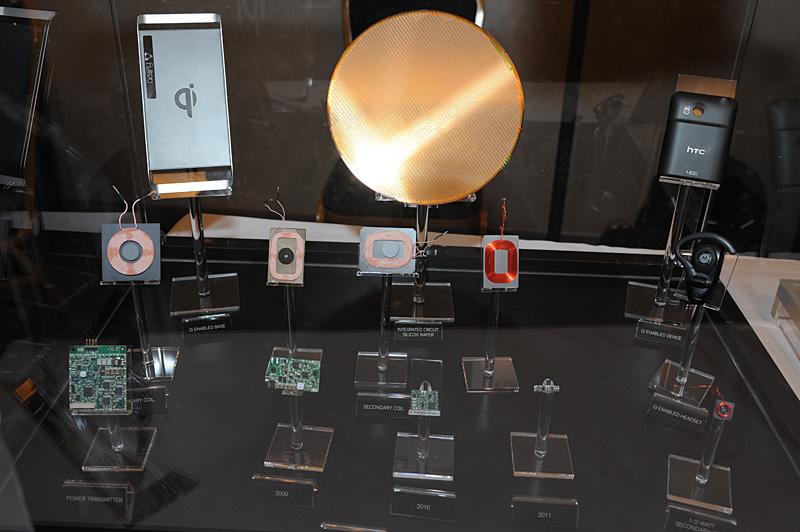 Mobile Focusの会場では電磁誘導ユニットのコイルやコントローラなども展示